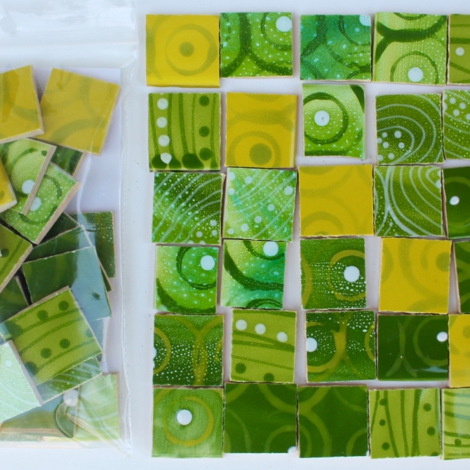 Materials / Patterned Tiles / Cold colors / Green patchwork pack